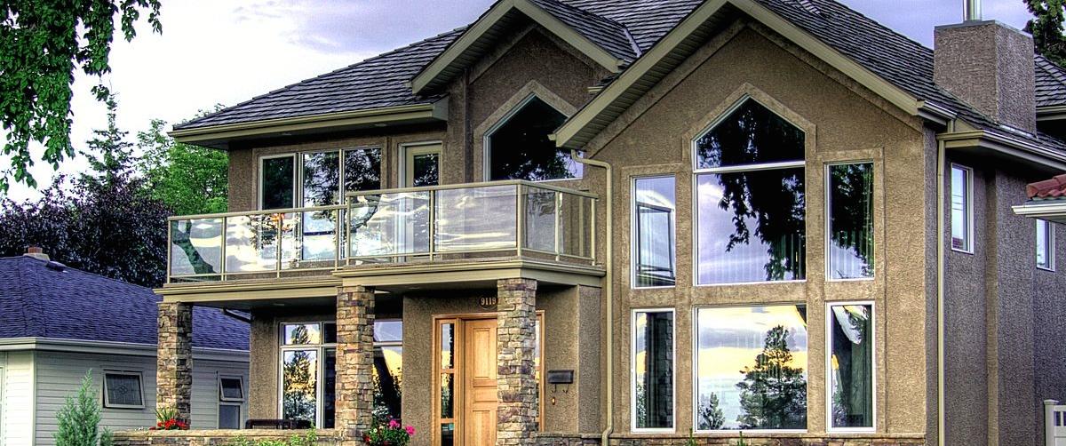 1200px-Home_Strathearn_Drive_Edmonton_Alberta_Canada_01A